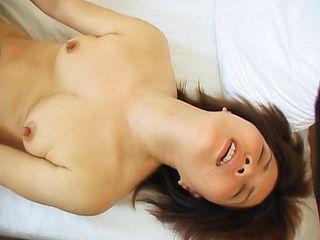 Mature Japanese babe has hot sex