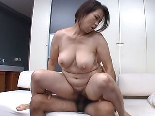 Steaming mature chick Yuuko Kuremachi in hardcore action