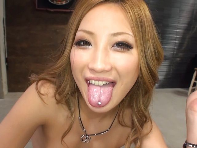 Naughty Aika gives amazing blowjob to her date
