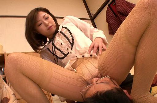 Drunk Japanese milf gets wild and horny on date