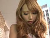 Blonde Japanese AV model Mari Komatsuzaki is a hot solo girl