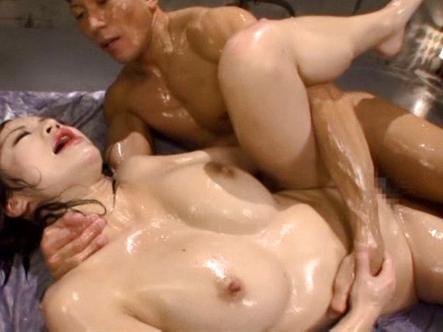 Busty milf Yuri Ooshio enjoys hardcore action