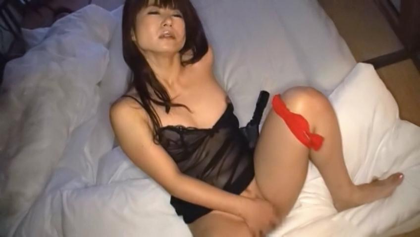 Passionate masturbation with alluring Naomi Sugawara