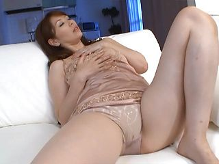 Alluring japanese finger fucking on cam