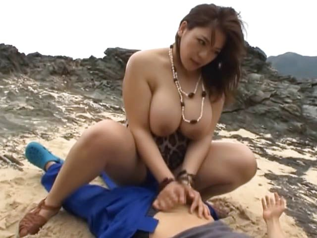 Adorable Asian hottie with huge tits Mizuki Ann enjoys outdoor sex