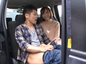 Short-haired Asian milf Aino Kishi gives a good mouth job in a car