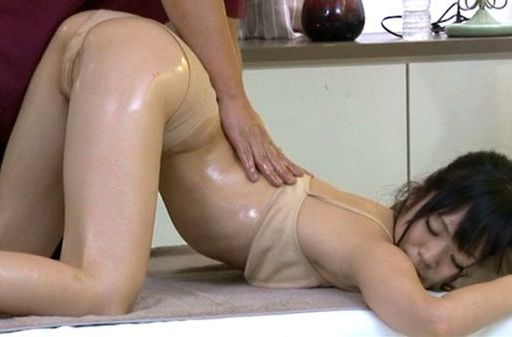 Sexy MILF gets a deep oily massage and a deeper fucking