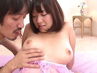 Sexy Japanese teen, Onoe Wakaba, enjoys a gang bang