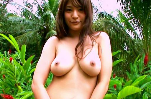 Megu Fujiura is showing off her round ass and big boobs outdoors
