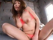Reon Otowa Japanese model rides a huge dildo