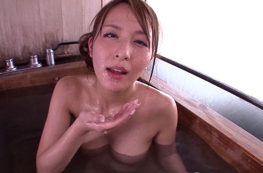 Flawless Asian milf Jessica Kizaki gives amazing blowjob
