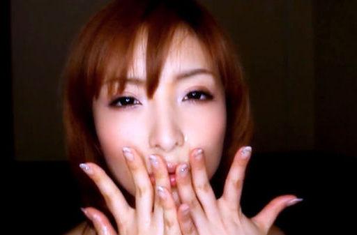 Riona Suzune Asian model gives a mega blowjob