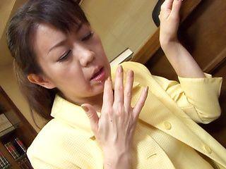 Seiko Shiratori Hot mature Japanese babe likes crazy sex