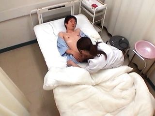 Lovely Japanese nurse enjoys giving amateur headfuck