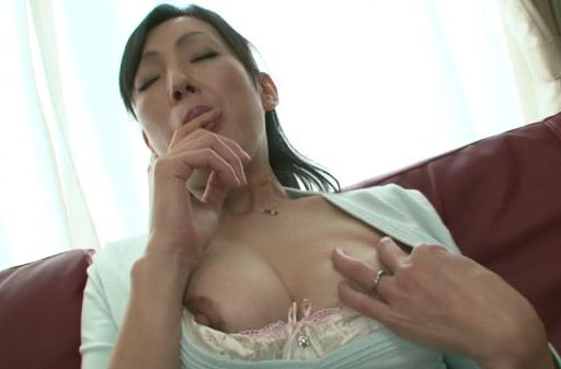 Solo girl session with Asian babe Ayumi Takanashi