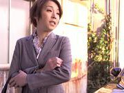 Amazing Japanese office lady Tamaki Nakaoka gives a blow