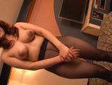 Kanade Maki wrappinga fat dick and slurps its warm jizz picture 1