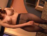 Kanade Maki wrappinga fat dick and slurps its warm jizz picture 2