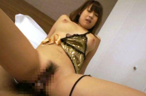 Hitomi Kitagawa hot busty Asian chick rides a cock