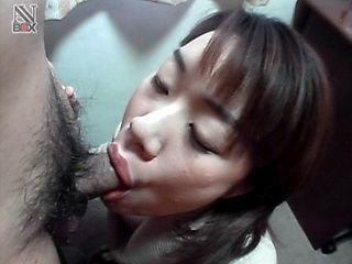 Yuuki Mori gives an excellent blowjob