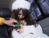 Rion Ogura Opens Her Legs In A Car For Some Toy Sex picture 8