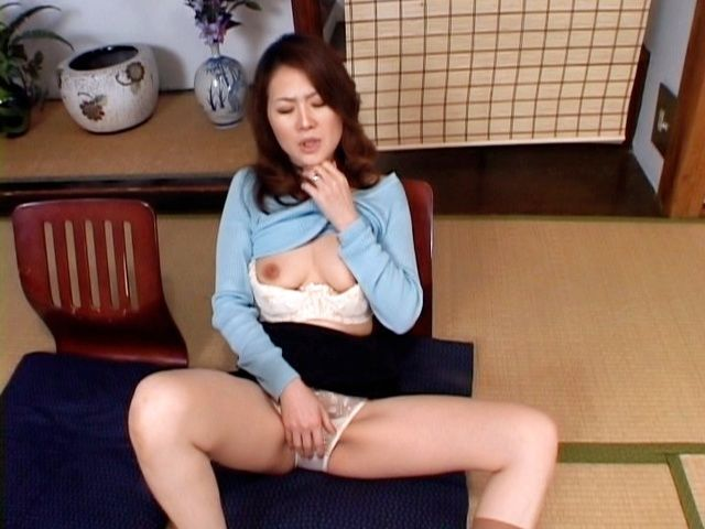 Mina Toujou horny Asian housewife likes her son´s friends cock