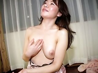 Hot mature Mizuki Tachibana loves to make a hot POV blowjob.