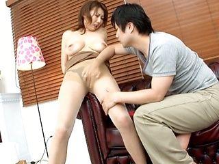 Anna Hoshi is a kinky Japanese lady