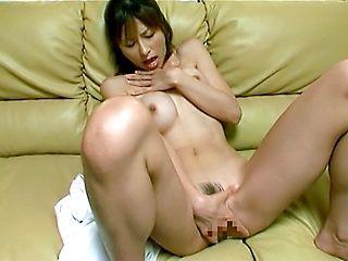 Akari Asahina Fingers and Fondles her slick pussy