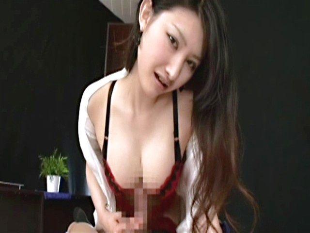 Azumi Mizushima hot milf in stockings gives a great POV handjob