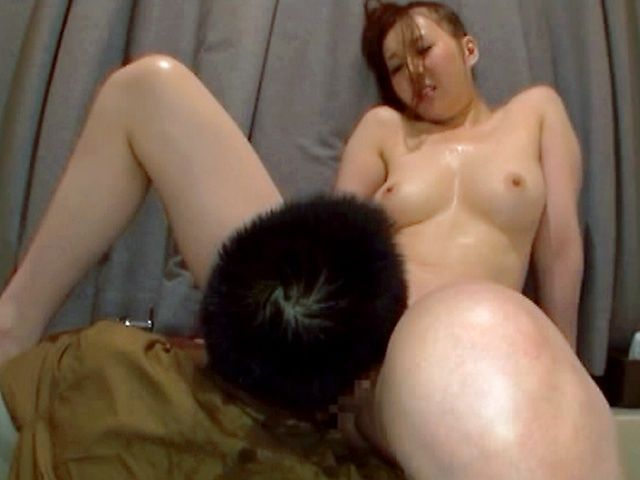 Kinky Japanese model hot cumshot!