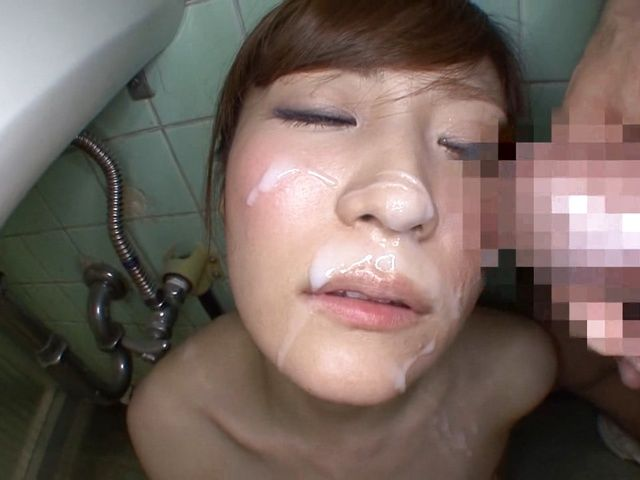 Kimi Hirosue masturbates and gets a facial in the bathroom