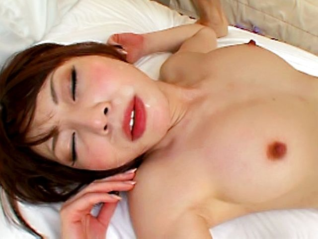 Sexy Hana Masaki Surprises Him With Her Hot Body