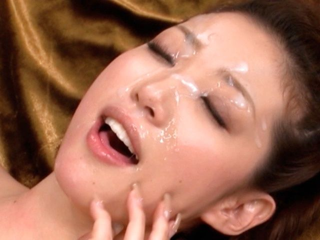 Teen Makato Yuuki On The Receiving End Of A Sticky Facial