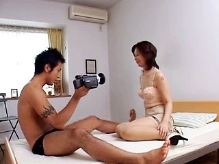 Amazing Japanese woman enjoys sex