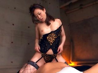 Hot Japanese babe treats lucky dude to hot blowjob