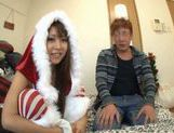 Japanese AV model gets a cock ride