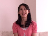 MILF Hitomi Honjou Rubs Her Own Pussy To A Loud Orgasm