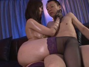 Gorgeous Japanese enjoys a good fuck session