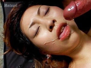 Sayaka Hagiwara hot cum eating