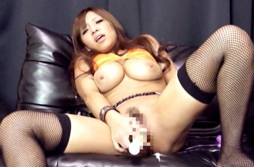 Alluring Japanese AV model drills her pussy and gets pounded