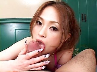 Hikaru Hozuki Asian doll gives a hot blowjob