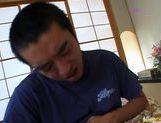 Isumi Yamada drills her pussy with dildo