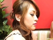 Hikaru Hozuki Asian doll gives a hot handjob