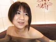 Teen Yui Hamano Naked And Soaking Wet In The Tub