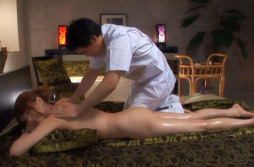 Akiho Yoshizawa fucked by a massaging guy