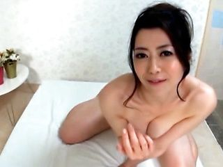 Blowing Babe Loves Eating His Cum Off Of Her Hand