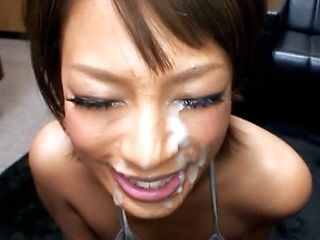 A Big Load Of Cum For This Hot Chick´s Lovely Face