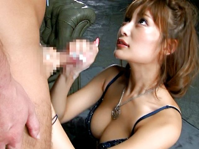 Kirara Asuka gives amazing blowjob