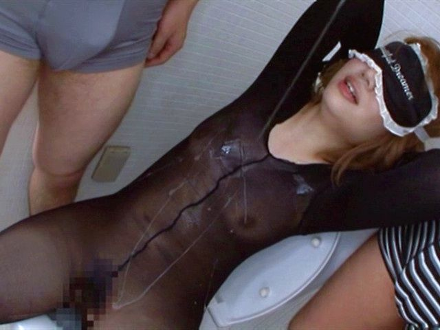 Hot milf Aki Tachibana in sexy lingerie group action with toys